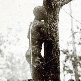 Washington_hanging_1916-cropped