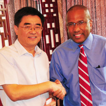 Presidents Zhao Jinzhou and Harry L. Williams